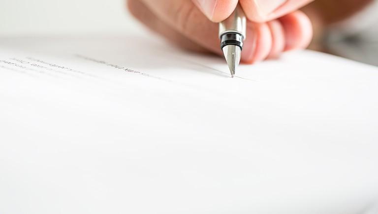 Juridiske kontrakter