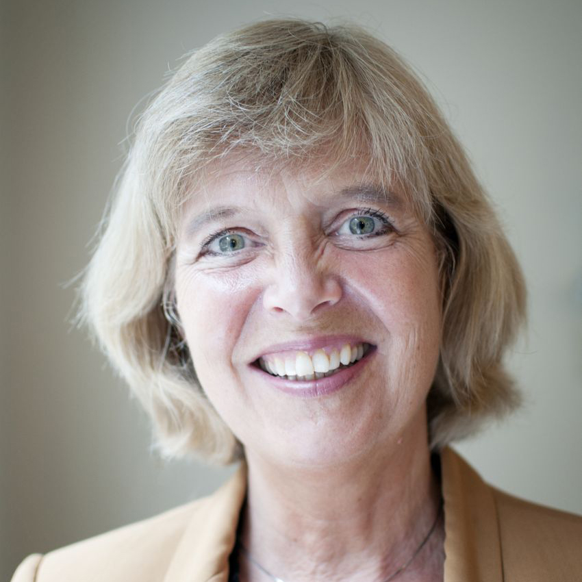 Agnes Bergo, Daglig leder i Pengedoktoren